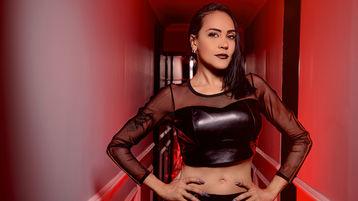 Show-ul fierbinte al lui KimHall – Fata pe Jasmin