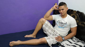 EnzoParker's hot webcam show – Boy on boy on Jasmin