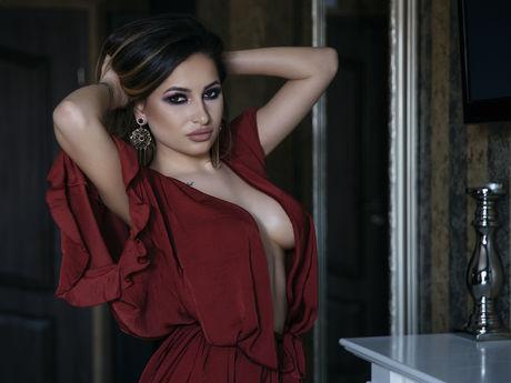 RachelBloomX | Wikisexlive