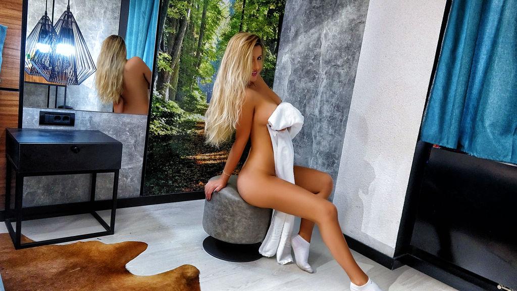 Gorący pokaz HotSerene – Dziewczyny na Jasmin