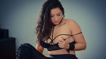 Show-ul fierbinte al lui VictoriaBanz – Fata pe Jasmin