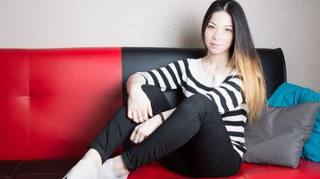 Show-ul fierbinte al lui SandraGlam – Fata pe Jasmin