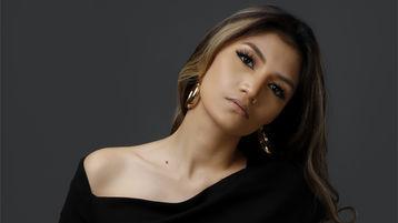 Show-ul fierbinte al lui SexyCazandra4U – Fata pe Jasmin