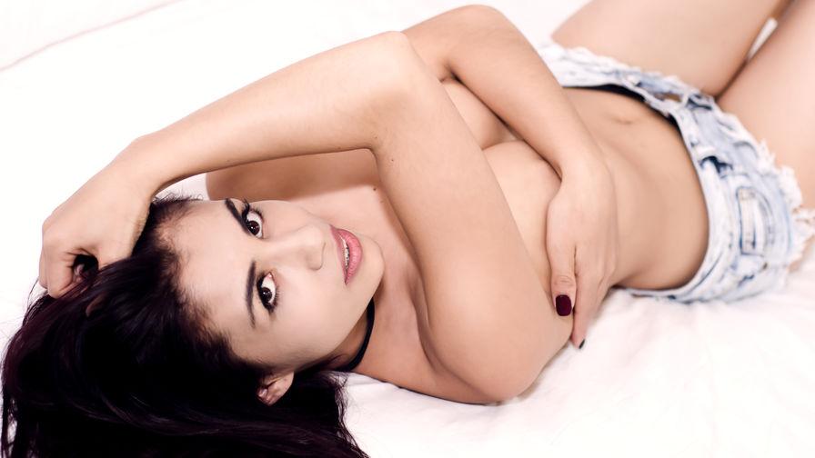 JulietaSaenz | Damadolove