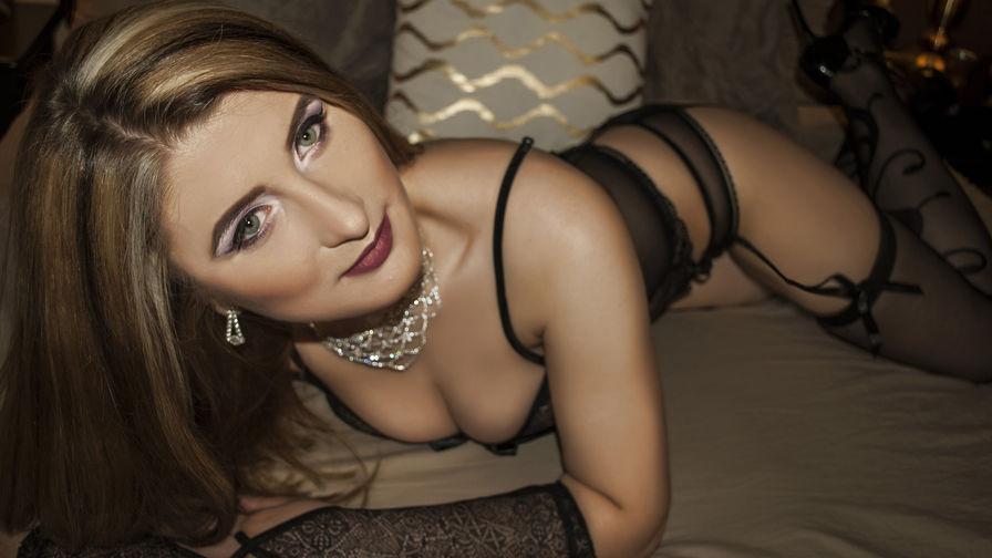 SamanthaQuinn | Damadolove
