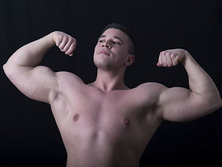 Gay live cam model with muscle mass