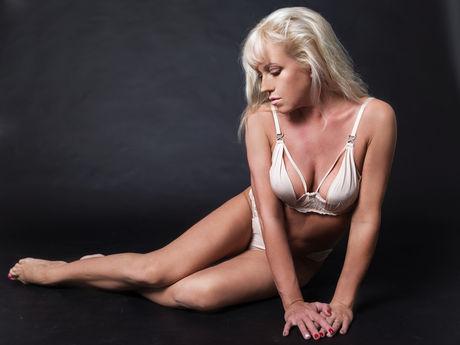 SexyLanaX | Bustymilf