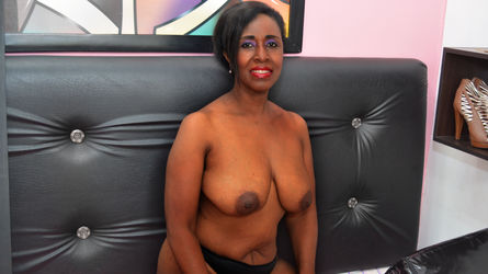 THEACHMATUREXX | Ebonygirlcams