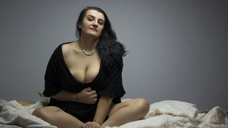 AmiraJasleen | Proncams
