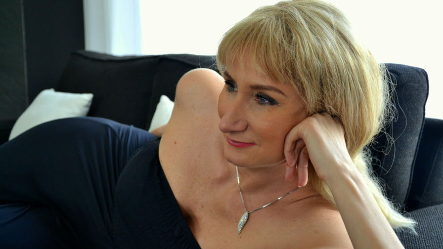 Viickyy's profile picture – Mature Woman on LiveJasmin