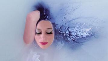 Show fierbinte la webcam PriscillaStream  – Fata pe Jasmin