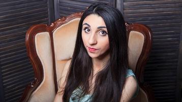 Show fierbinte la webcam FluffyWee  – Flirturi fierbinti pe Jasmin