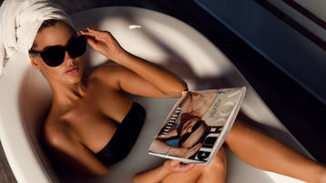 Show di sesso su webcam con CherryAngella – Donna su Jasmin
