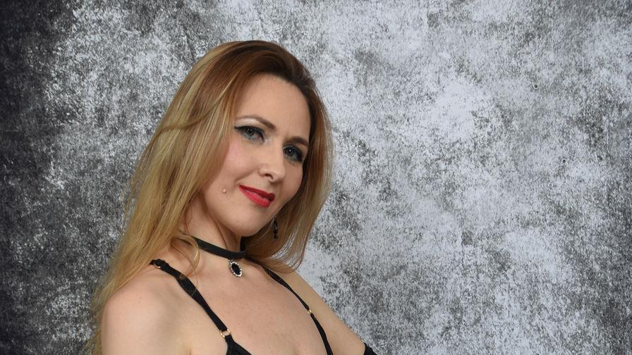 MattureELLA's profile picture – Mature Woman on LiveJasmin
