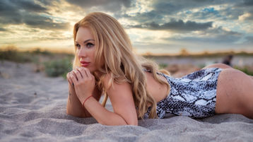 sweetblondeesx's hot webcam show – Girl on Jasmin