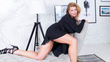 Sexy show su webcam di DulcetSofia – Donne Mature su Jasmin