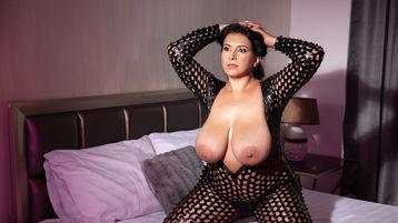 Show fierbinte la webcam NorahReve  – Fata pe Jasmin