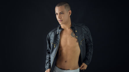 XINCHBOYLATINX's profile picture – Boy for Girl on LiveJasmin