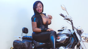 Sexy show su webcam di JewElEbony – Ragazze su LiveJasmin