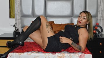 LizEbonyOld's hot webcam show – Mature Woman on Jasmin