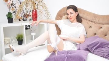 Show di sesso su webcam con AngellBrown – Donne Mature su Jasmin