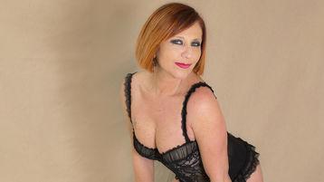 Show di sesso su webcam con Fiammetta – Donne Mature su Jasmin