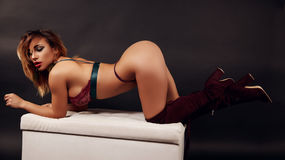 Show-ul fierbinte al lui LexieFord – Fata pe Jasmin
