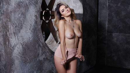 MishelMiler's profile picture – Girl on LiveJasmin