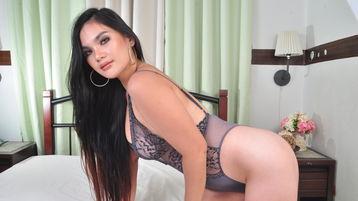 Spectacle webcam chaud de AlluringYUNA – Fille sur Jasmin