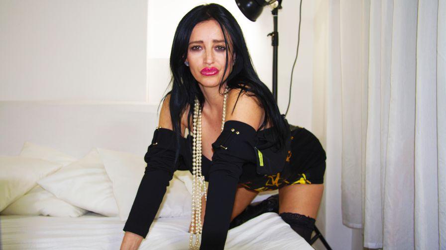 simoneprag's profile picture – Mature Woman on LiveJasmin