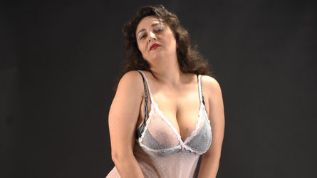 mikamilf's profile picture – Mature Woman on LiveJasmin