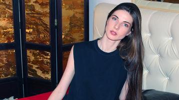 Show fierbinte la webcam SarahLong  – Fata pe Jasmin