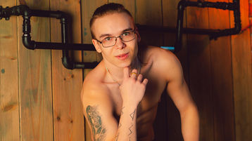 DavidTiger's hot webcam show – Boy on boy on Jasmin