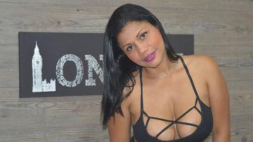 Sexy show su webcam di KarenGuzman – Donna su Jasmin