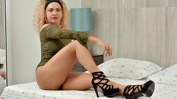 Show fierbinte la webcam SccarlettEvans  – Fata pe Jasmin