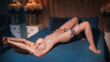 Show fierbinte la webcam JulyReya  – Fata pe Jasmin