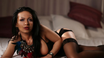 2Irresistible2U's profile picture – Mature Woman on LiveJasmin