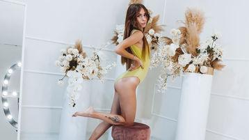 Show di sesso su webcam con BonnyLaura – Donna su Jasmin