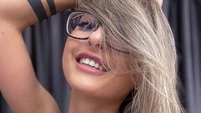 AdrennaLyne's hot webcam show – Girl on LiveJasmin