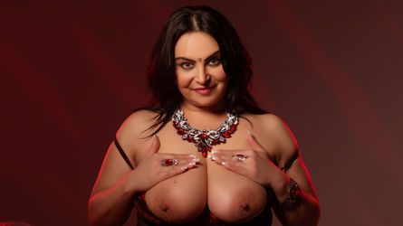 ElegantMira's profile picture – Mature Woman on LiveJasmin