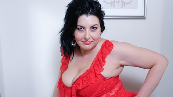 HornyWetMilf4You vzrušujúca webcam show – Staršia Žena na Jasmin