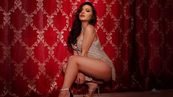 Show fierbinte la webcam AdorableVicky  – Fata pe Jasmin