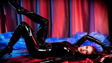 Provocateur69 のホットなウェブカムショー – Jasminのフェチ女