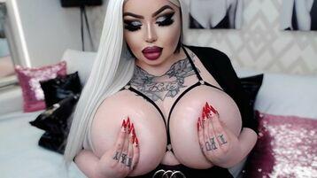 TattooedBitch:n kuuma kamera-show – Nainen sivulla Jasmin