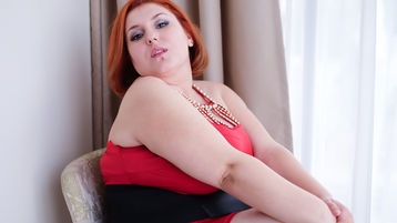 ReddAdele:n kuuma kamera-show – Nainen sivulla Jasmin