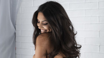 Show fierbinte la webcam AllieSynn  – Fata pe Jasmin