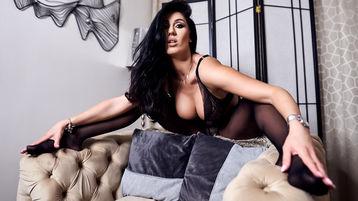 Show fierbinte la webcam PamelaFlowers  – Fata pe Jasmin