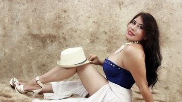 Show-ul fierbinte al lui DaphneCrow – Fata pe Jasmin