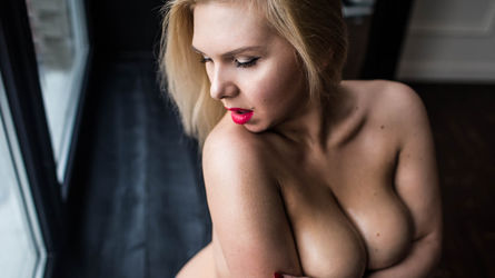 LoraFoster's profile picture – Girl on LiveJasmin