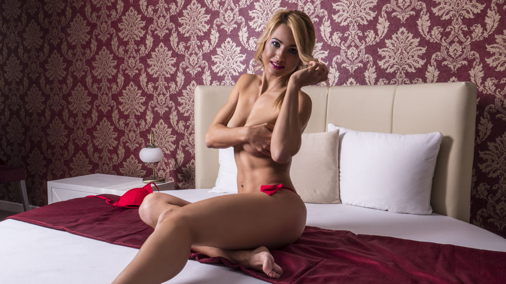 Show caliente de webcam de FiorellaWest – Chicas en LiveJasmin